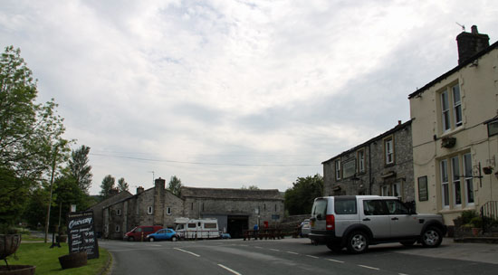 Kilnsey Tennants Arms pub and hotel